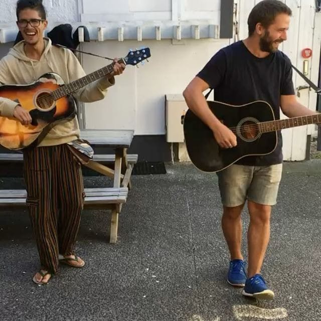 Mount Backpackers love music - thanks to Ramiro and Augustin for the Sunday afternoon entertainment