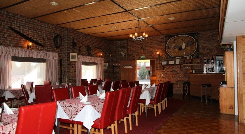 Age Restaurant has a welcoming atmosphere with great value meals. Just pop in for a drink at our fully licensed bar.