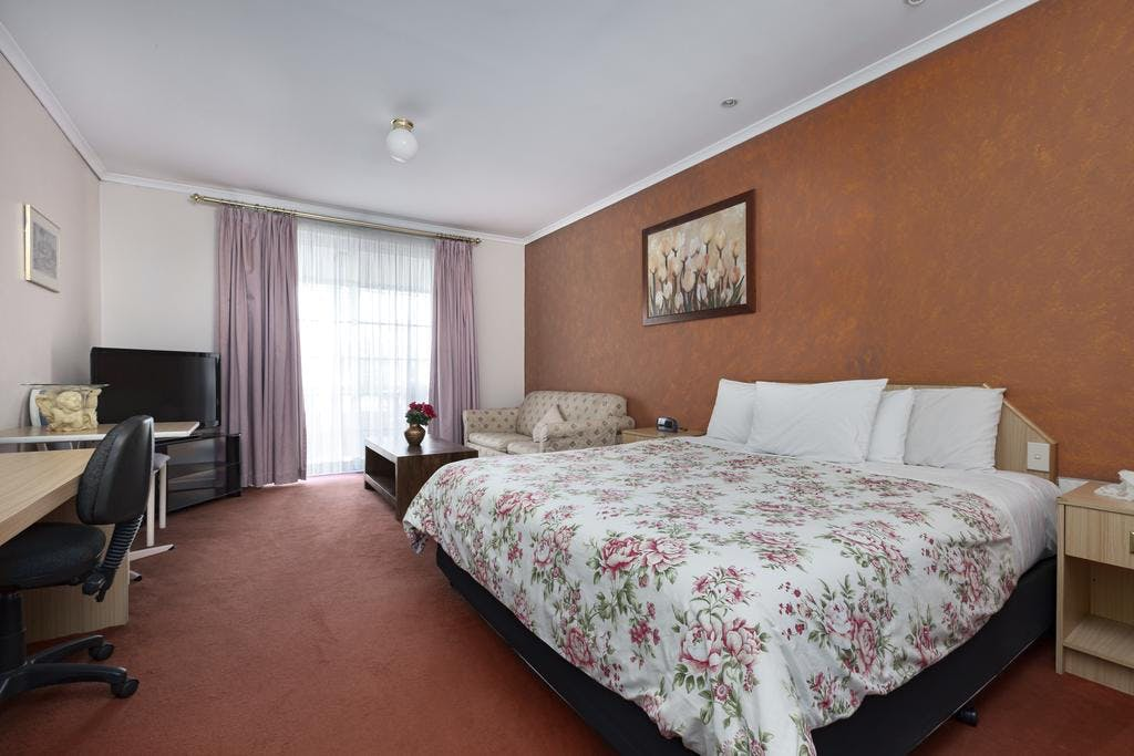 King Deluxe Rooms are spacious and have double glazed windows to enhance your comfort and rest.
