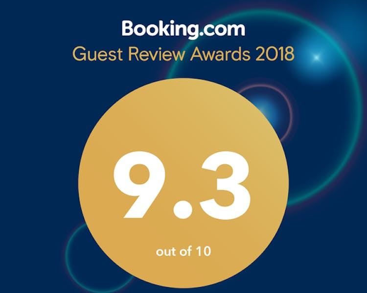 Guest review award from booking.com for 2018 with 9.3 rating - Tongariro Crossing Lodge