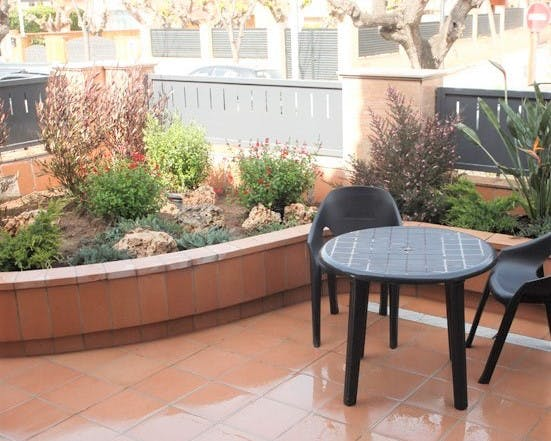 Apartment for 4 people with terrace (500 meters from Hotel Vilassar ****)