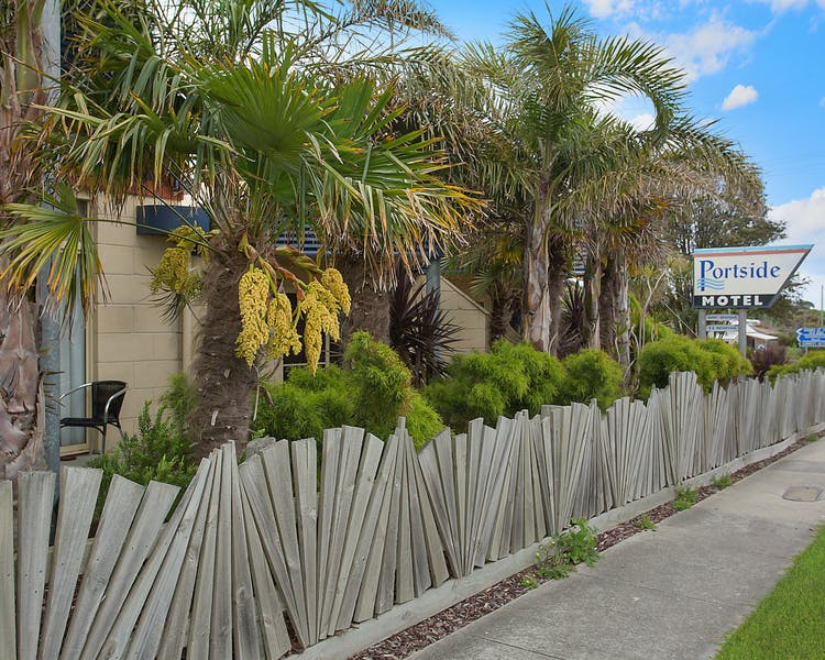 Portside Motel Port Campbell garden view
