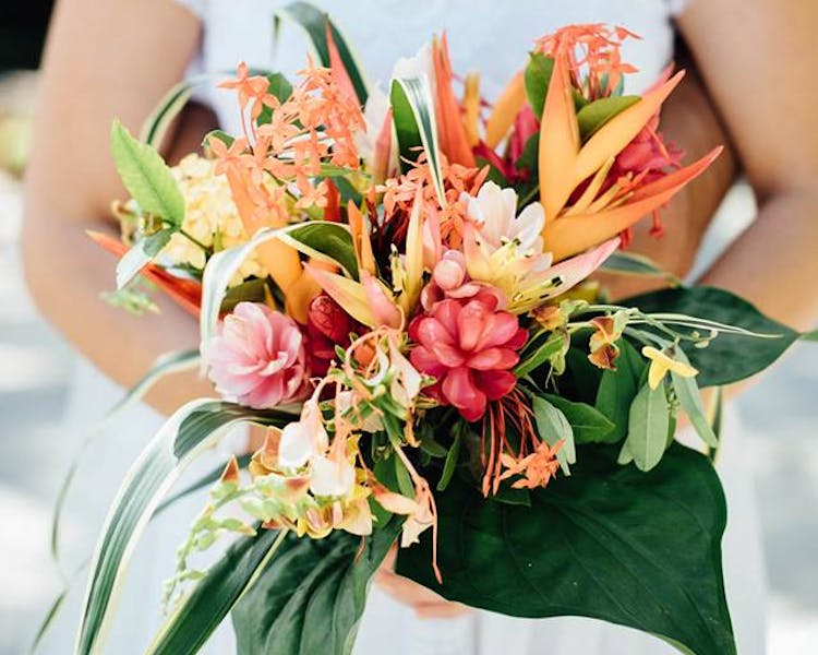 #erakorbeachweddings #weddingceremonyonthebeachsouthpacific #Vanuatutropicalbeachweddings tropical bridal bouquet