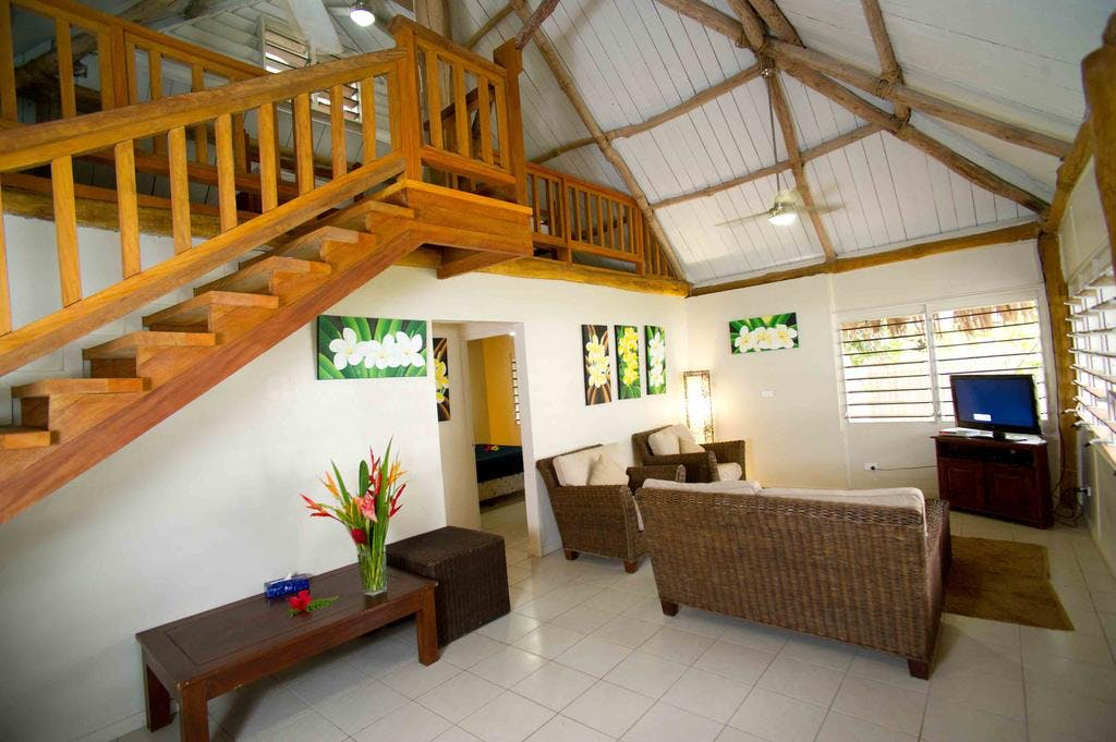 Sunset 2 Bedroom Loft Villa - Living area