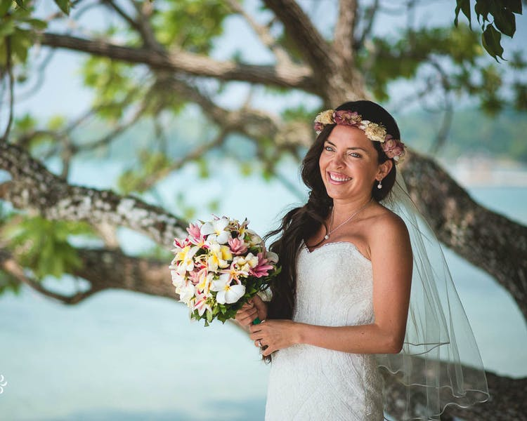 Bridal Bouquet and Floral Crown #erakorbeachweddings #weddingceremonyonthebeachsouthpacific #Vanuatutropicalbeachweddings