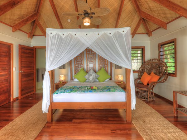 erakor island resort deluxe honeymoon pool villa master bed #erakorislandresort #tropicalislandholiday #Vanuatuaccommodation
