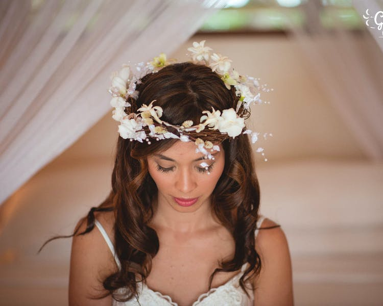 Bridal Floral Crown #erakorbeachweddings #weddingceremonyonthebeachsouthpacific #Vanuatutropicalbeachweddings