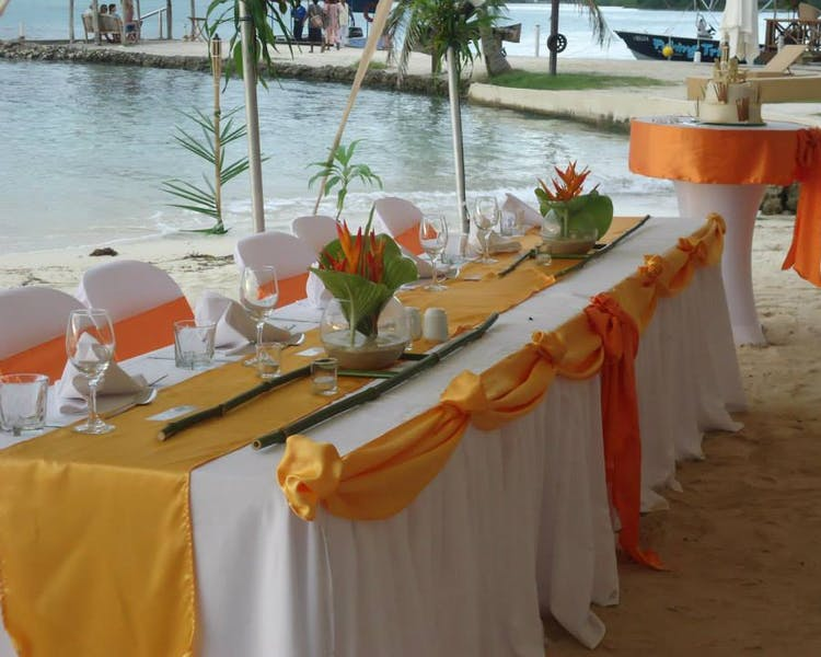 Wedding Reception Decor #erakorbeachweddings #weddingreceptionthebeachsouthpacific #Vanuatutropicalbeachweddings