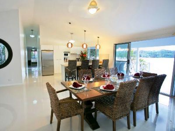 Aqua Blue Beach House - Open plan kitchen & dining area erakor island resort & spa #erakorislandresort #vanuatuholidays
