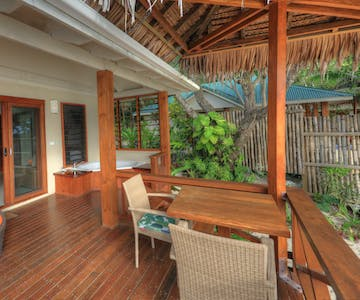 erakor island resort honeymoon pool villa #erakorislandresort #vanuatuholidays #tropicalislandholiday #Vanuatuaccommodation