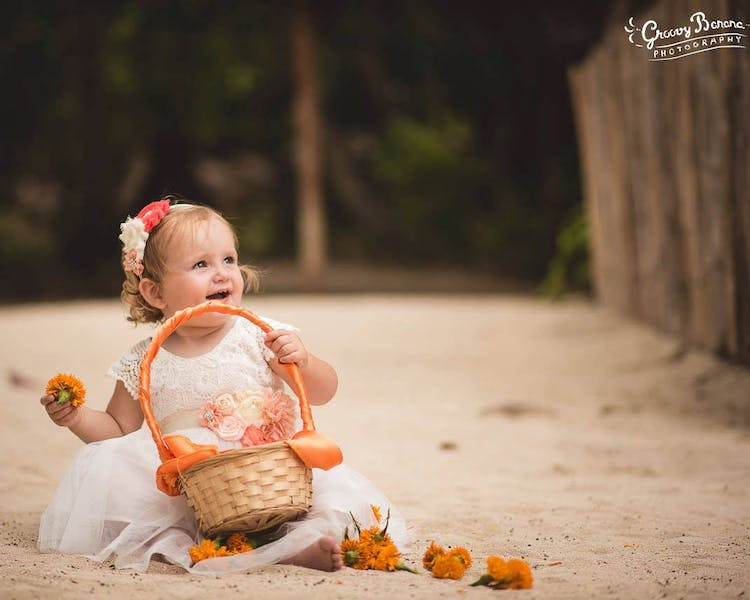 #erakorbeachweddings #weddingceremonyonthebeachsouthpacific #Vanuatutropicalbeachweddings flowergirl