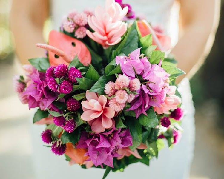#erakorbeachweddings #weddingceremonyonthebeachsouthpacific #Vanuatutropicalbeachweddings bridal pink & purple bouquet