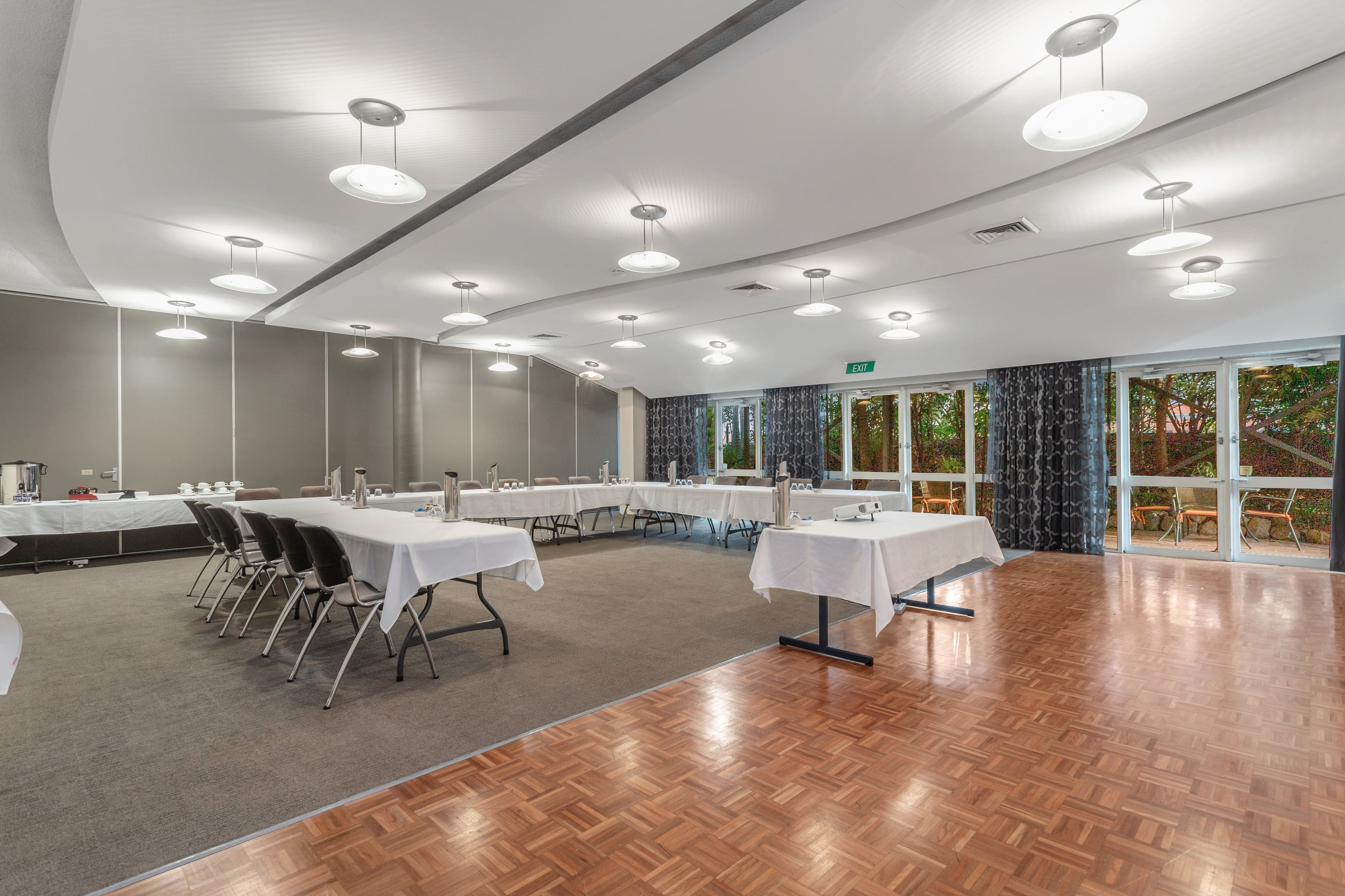 Conference room suitable for large groups in Brisbane