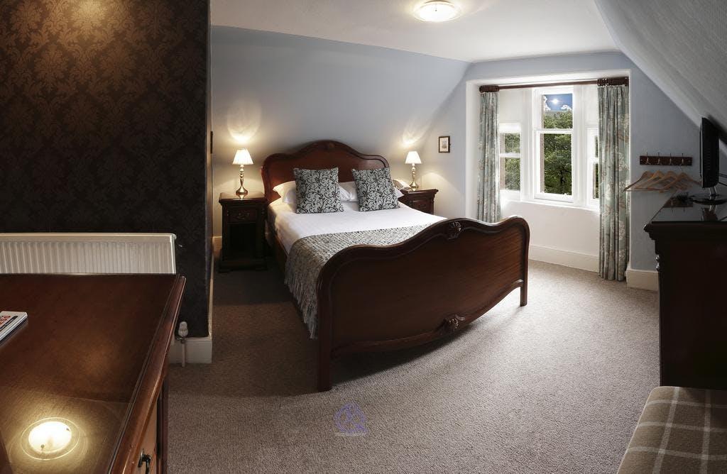 Small Double Room | Invergarry Hotel on twin teenage bedroom decorating ideas, twin bedroom design ideas, twin size bedroom decorating ideas, twin bedroom decor, twin girls bedroom ideas, twin beds,