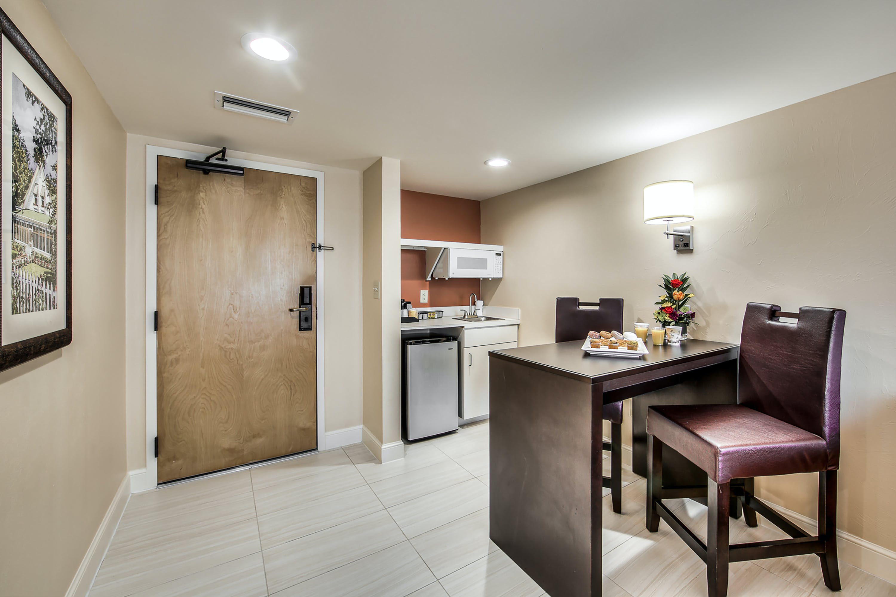 One Bedroom Suite dining area and kitchenette
