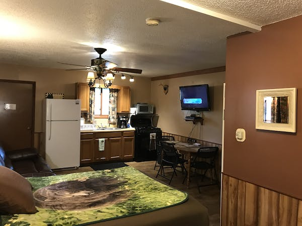Best Bear Lodge & Campground Accommodations