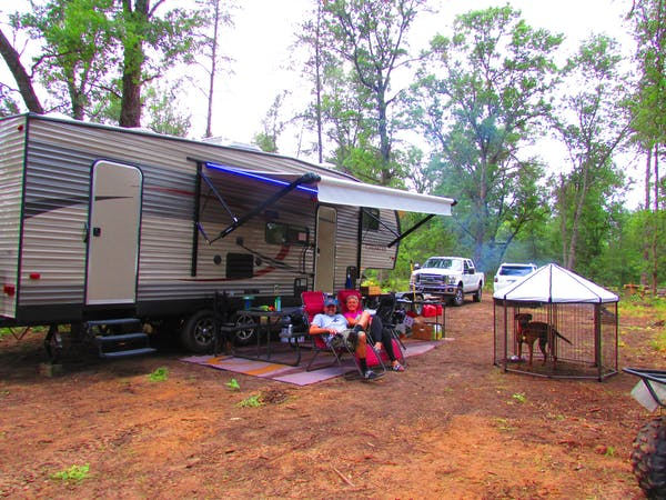 Seasonal RV sites at Best Bear Lodge & Campground