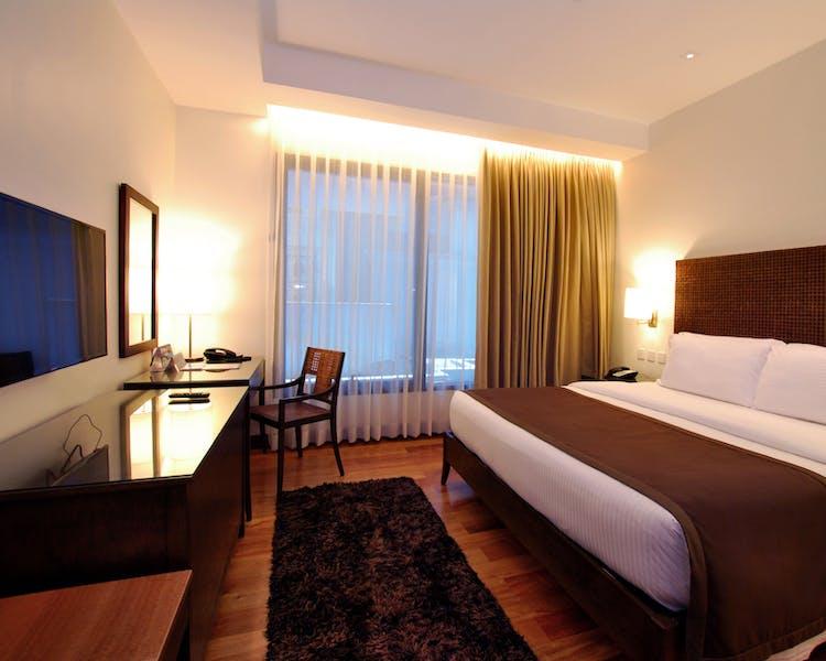 City Garden Grand Hotel Multi Awarded Hotel In Makati City Garden Grand Hotel