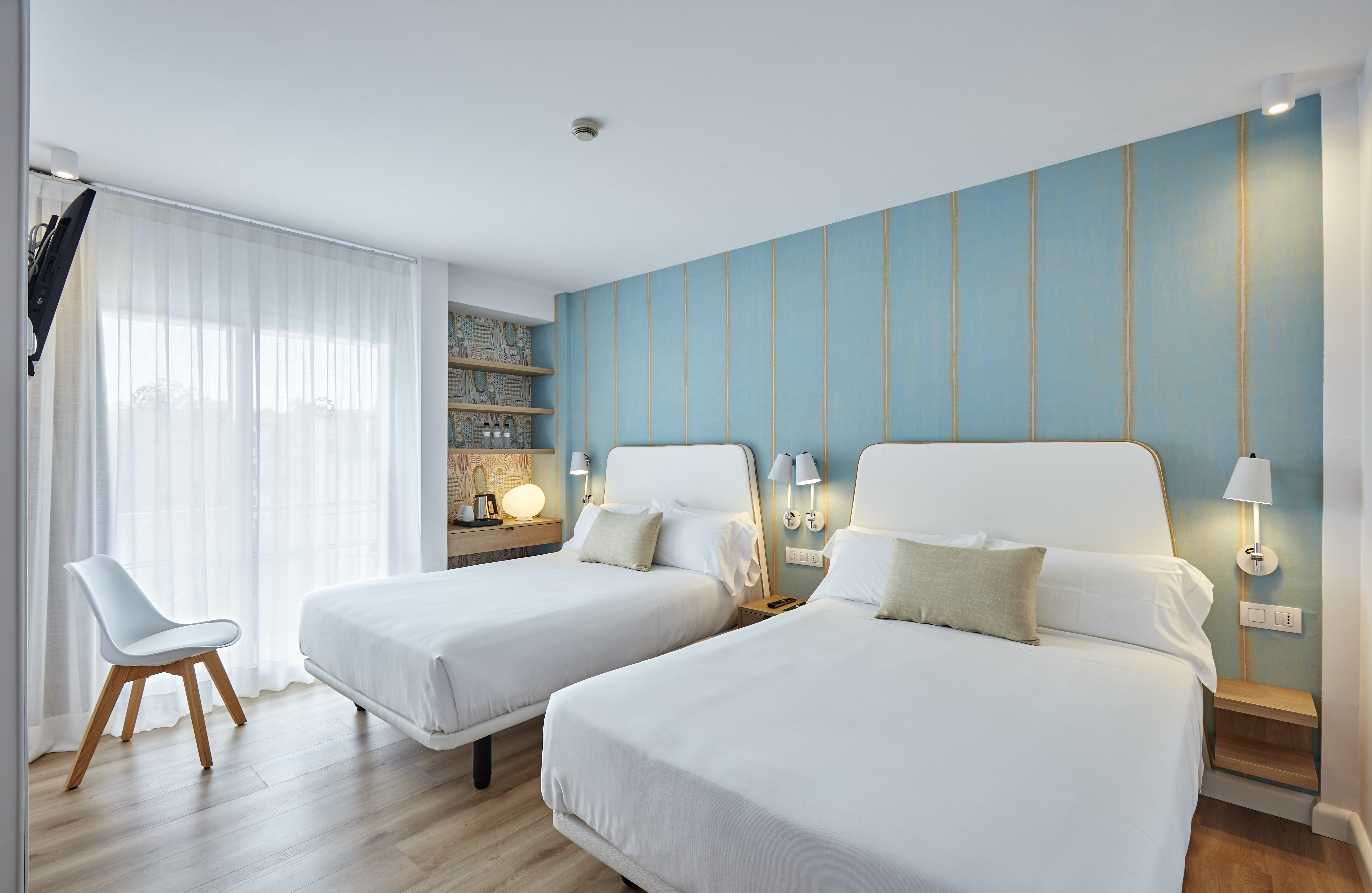 Surface Minimum Chambre Bebe comfort family room (2 adults 2 child) | hotel anabel