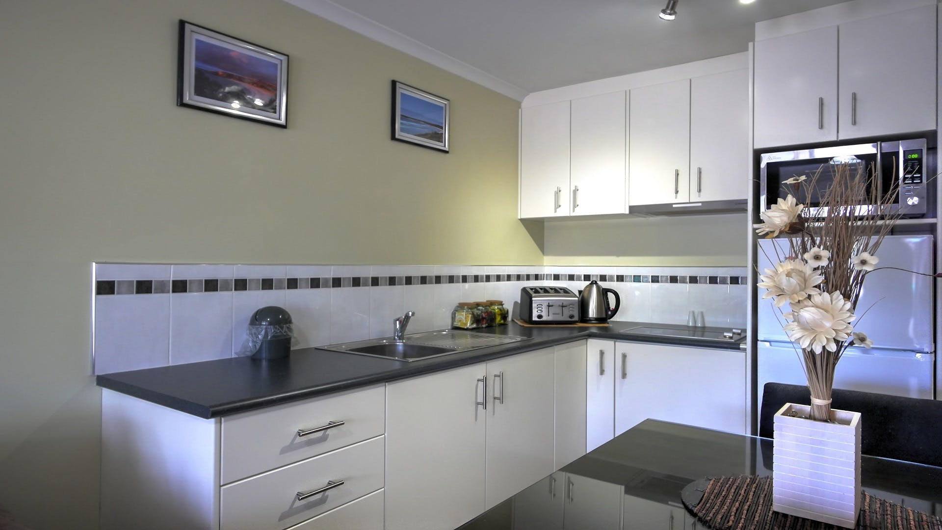#Modern kitchen facilities at Ficifolia Lodge