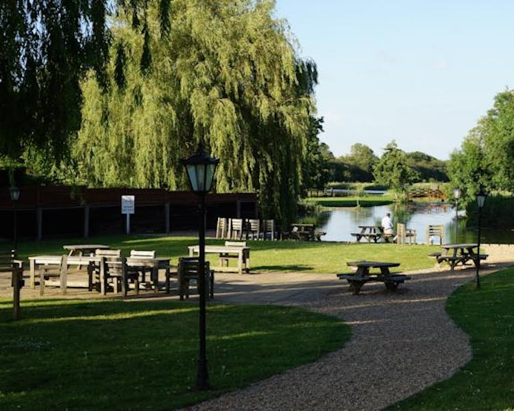 Queens Head Inn. Down by the River Nene