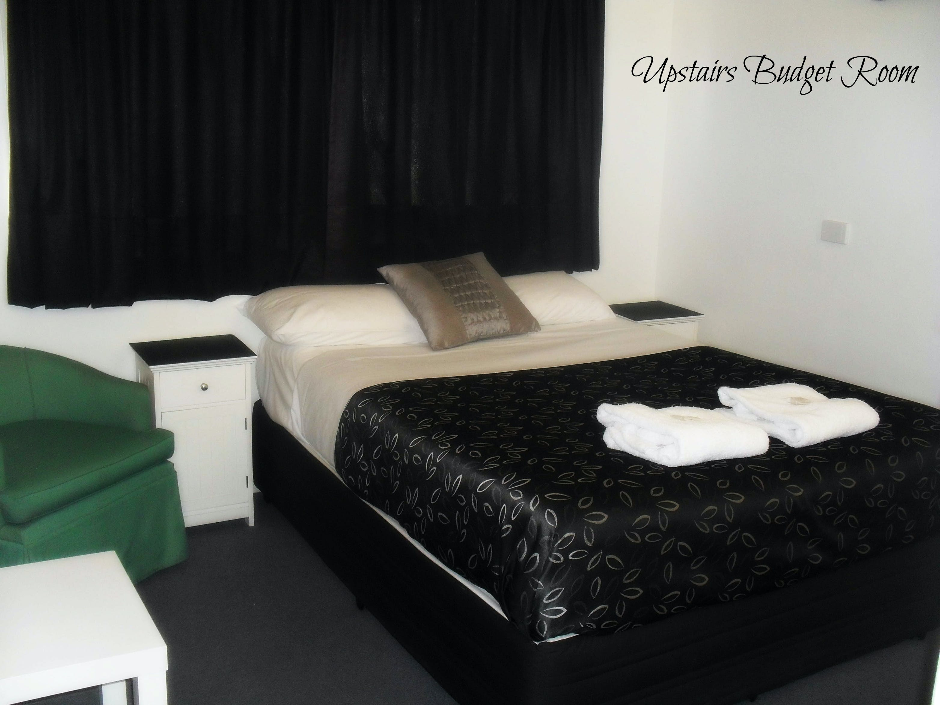 Upstairs Budget room with one double bed