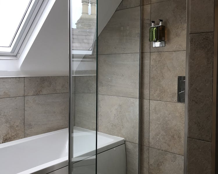 Cathedral View Double Deluxe En suite Bathroom