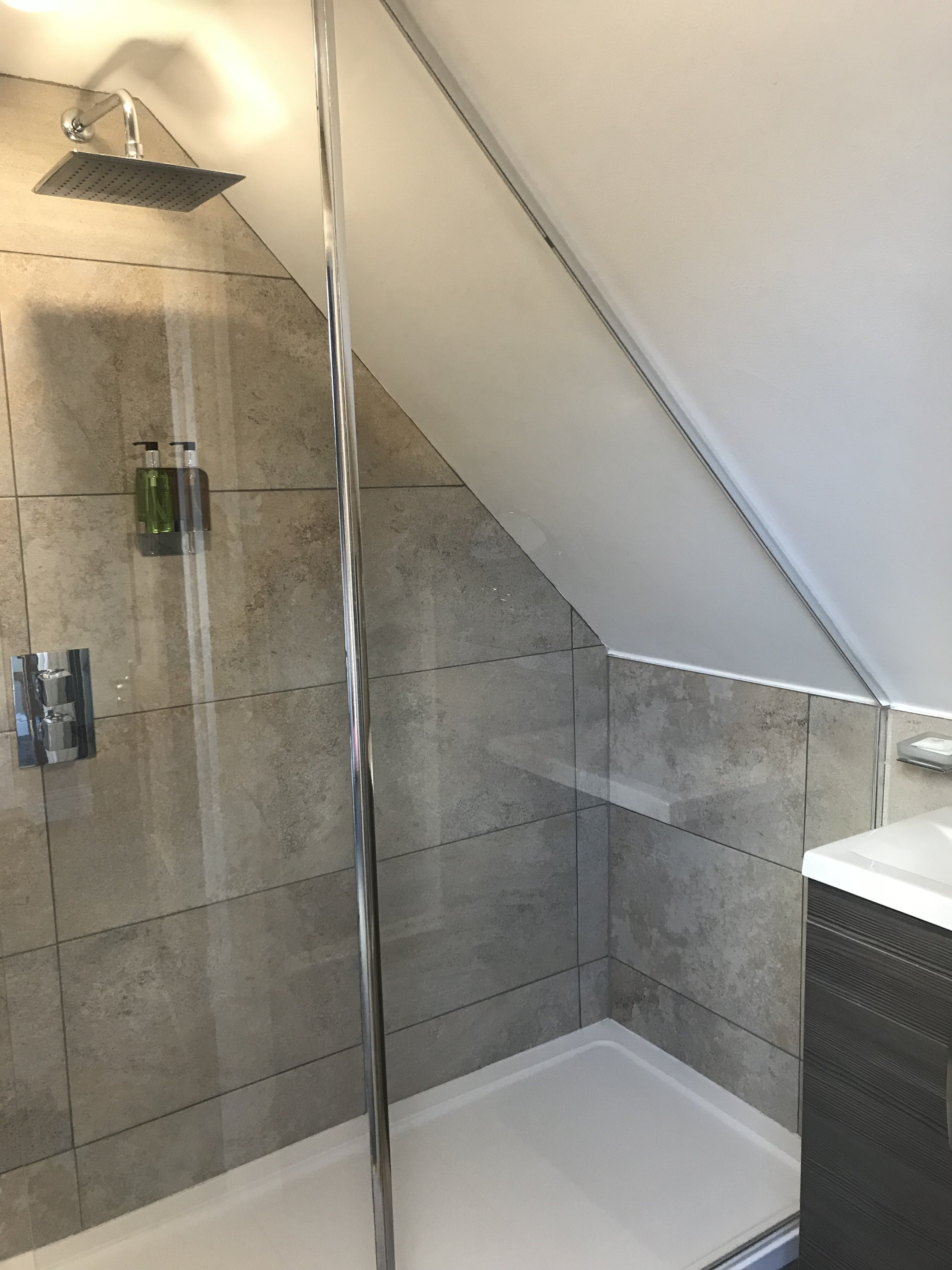 Avenue View Double Deluxe En suite Bathroom