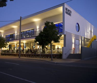 The Beach House restaurant and bar located in Scarness Hervey Bay. Great dining and entertainment venue for the whole family.