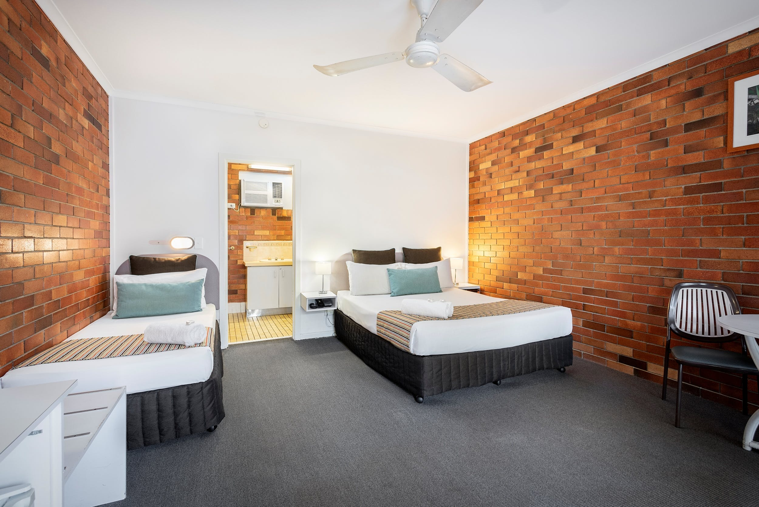Budget room with ensuite in Hervey Bay