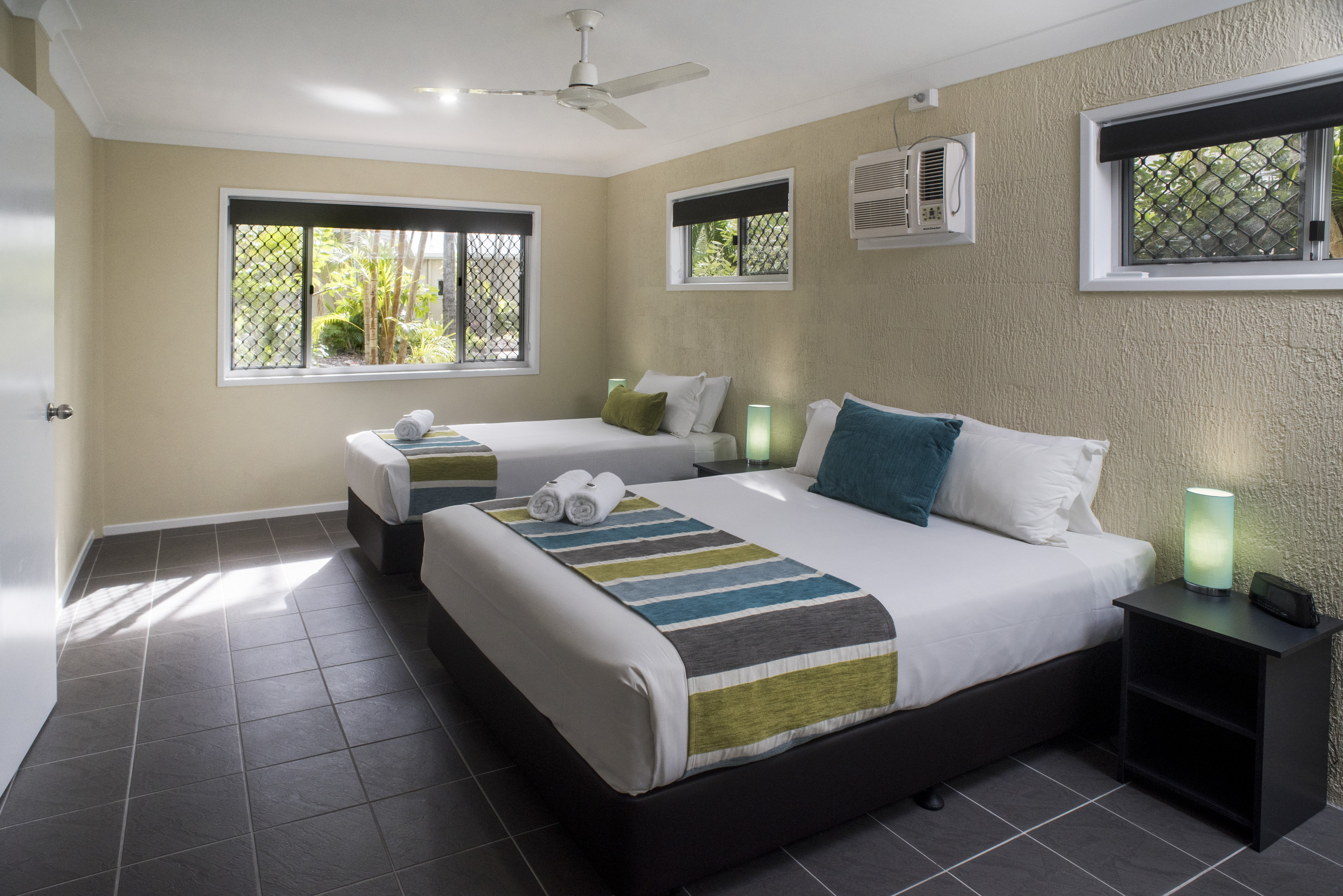 Ground floor 1 bedroom apartment on Shelly Beach