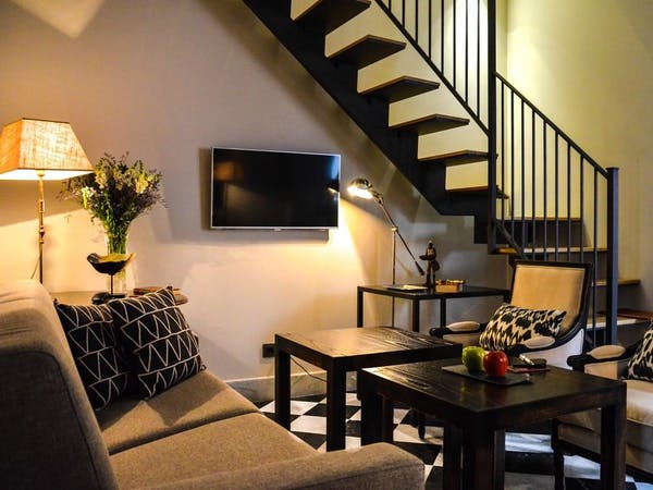 DELUXE one bedroom Apartment DUPLEX. Aguilas5 SevillaSuites