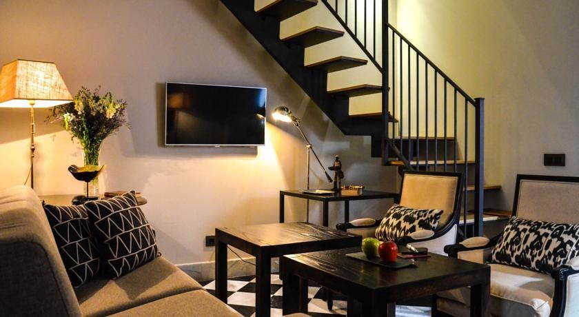 DELUXE one bedroom Apartment DUPLEX, Aguilas5 SevillaSuites