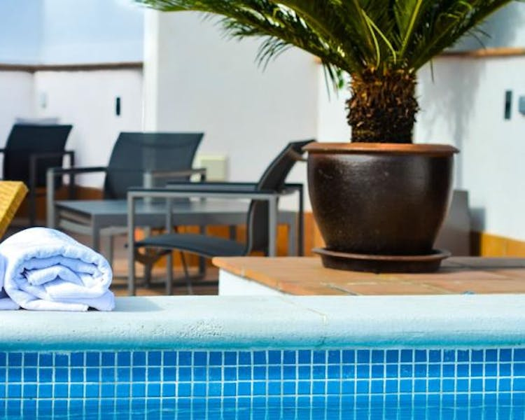 rooftop solarium and communal terrace (use allowed only for residents). Aguilas5 SevillaSuites