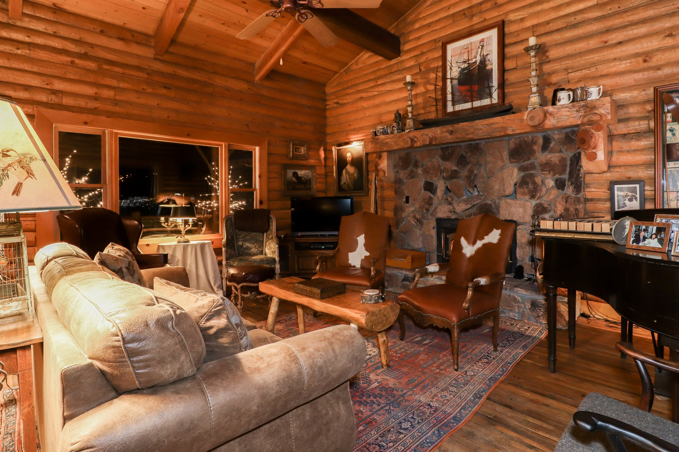Log home B&B on quiet north shore of Big Bear Lake with rustic elegance