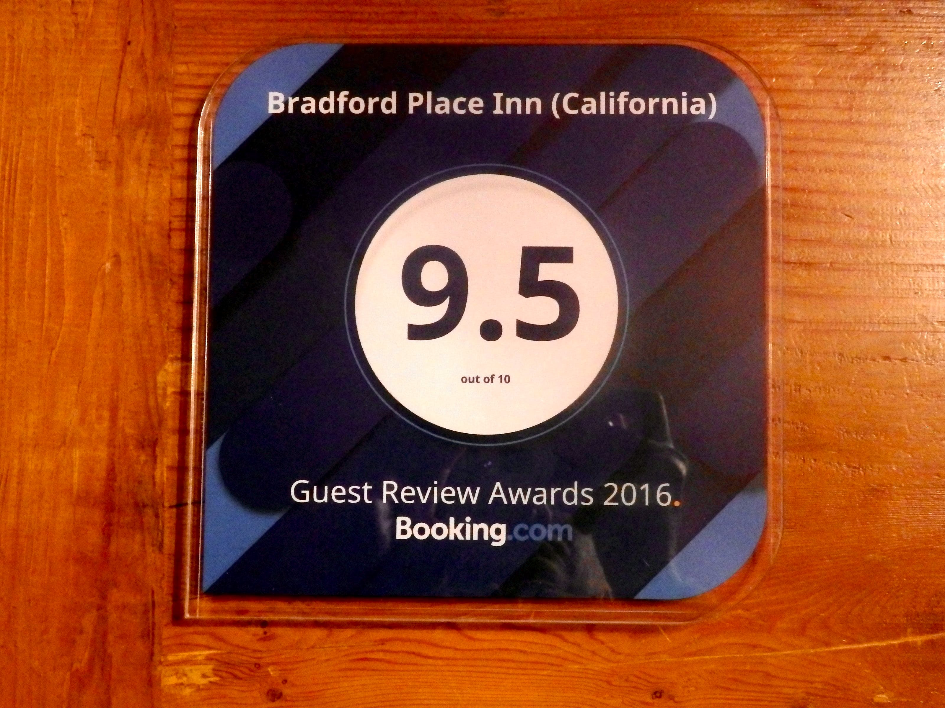 Booking.com 2016 Review Award