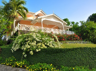 Villa Petrea in our beautifully kept gardens 1