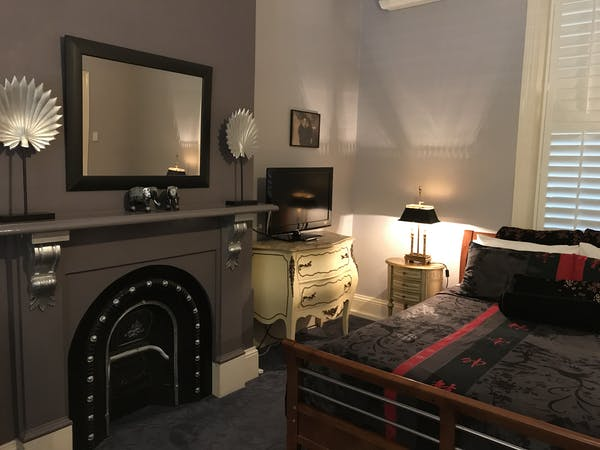 Room 2 queen ensuite