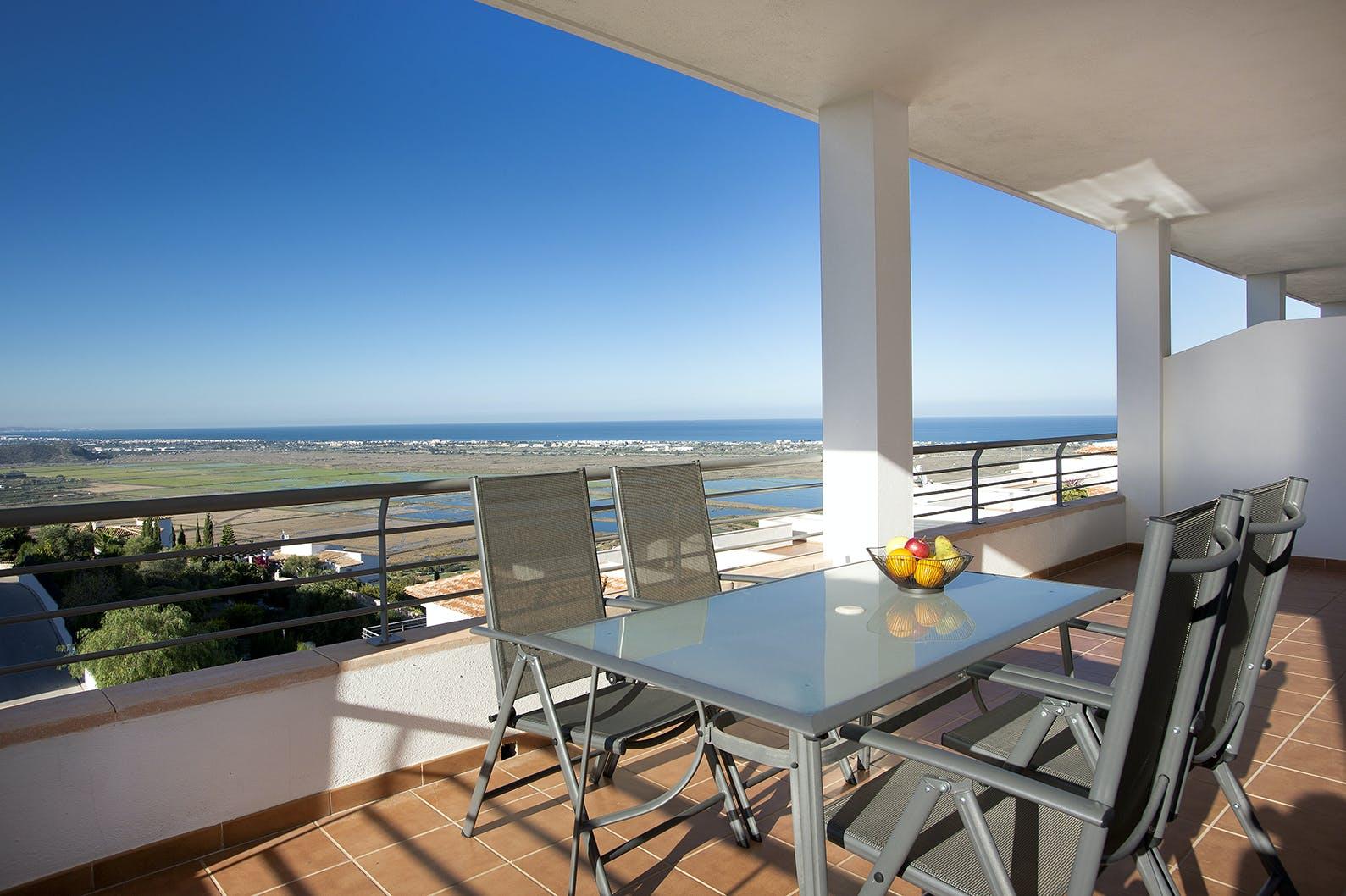 Two Bedroom Deluxe Sea View | Complejo Bellavista Residencial