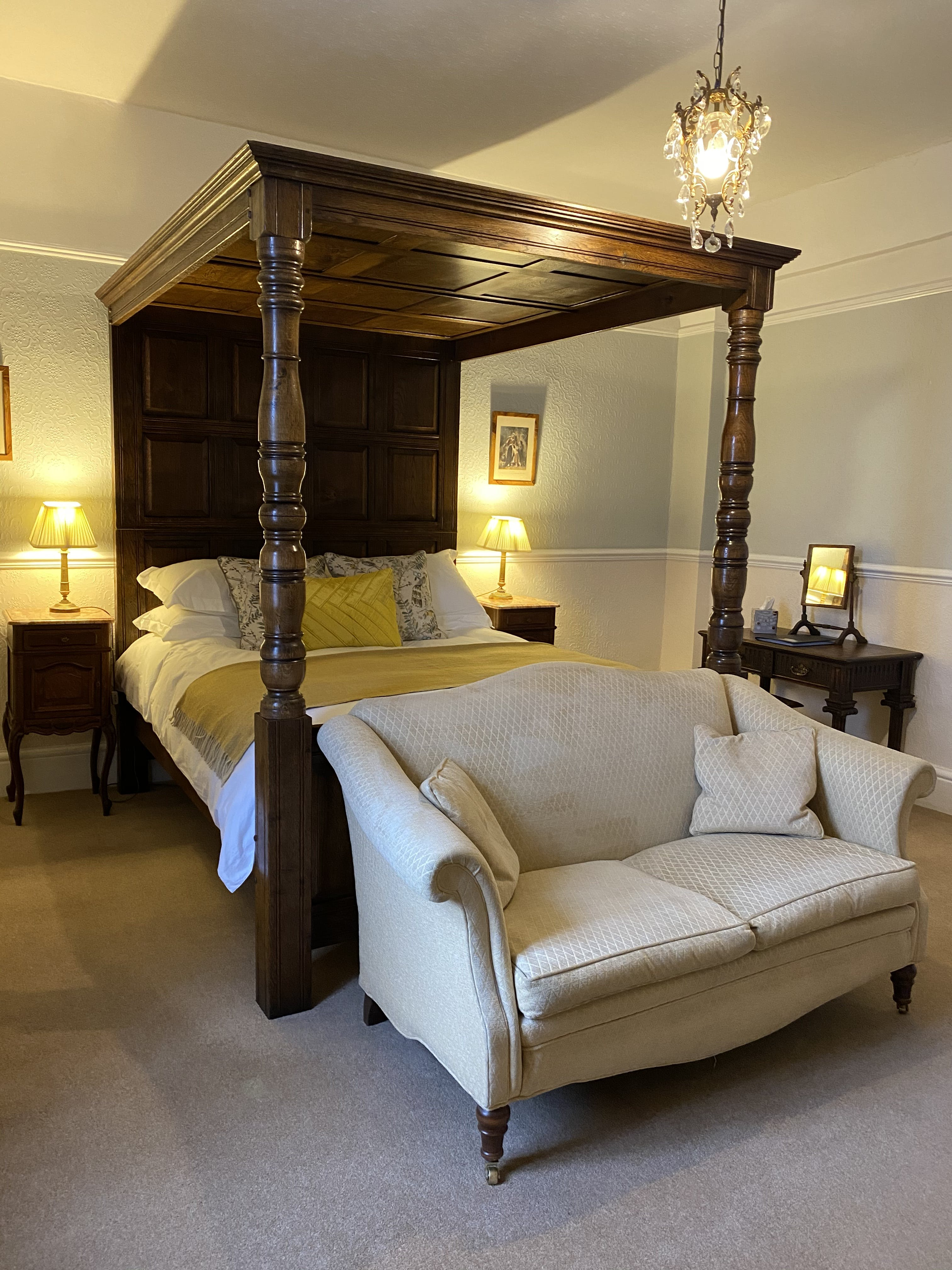 King room, four poster, deluxe
