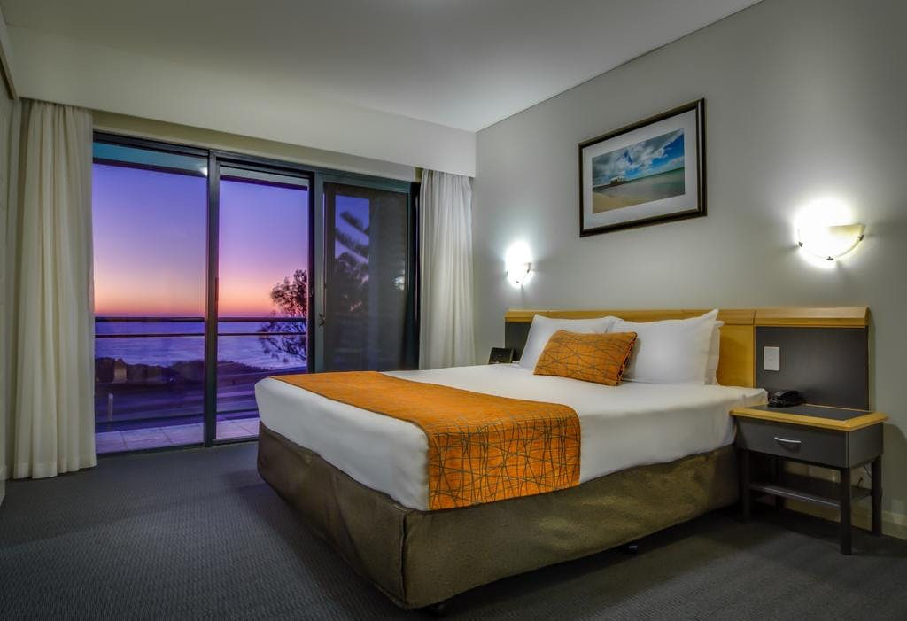 accommodation hillarys boat harbour