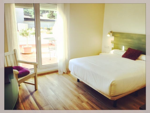 Camera Matrimoniale Doppia Con Letti Singoli.Double Room Hotel Restaurant Figueres Parc