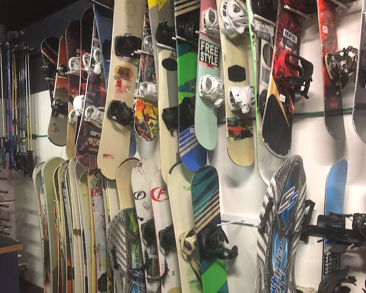 Ski Shop to hire skis, snowboards, boots, helmets and sleds.