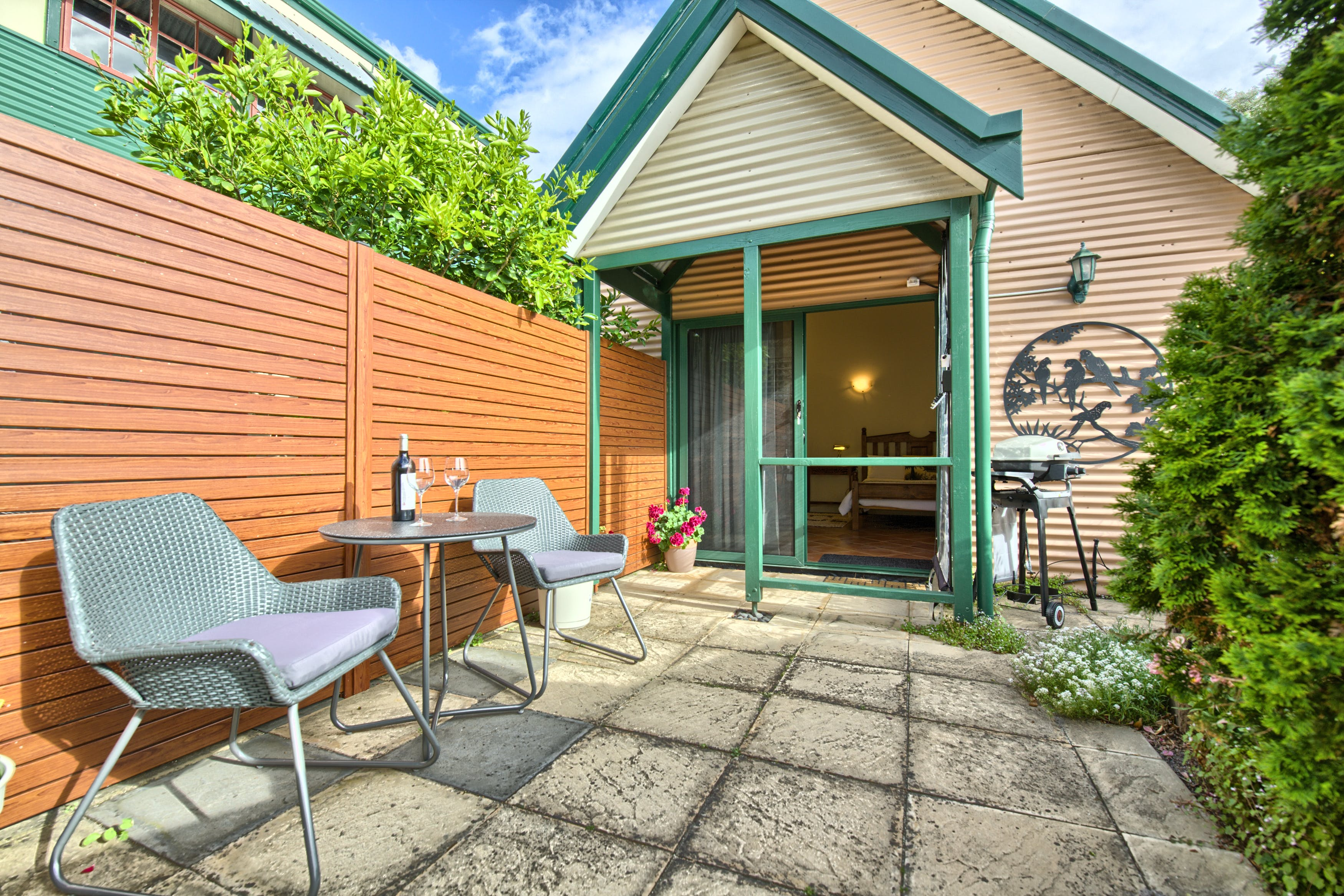 Suite 4 Private courtyard with BBQ
