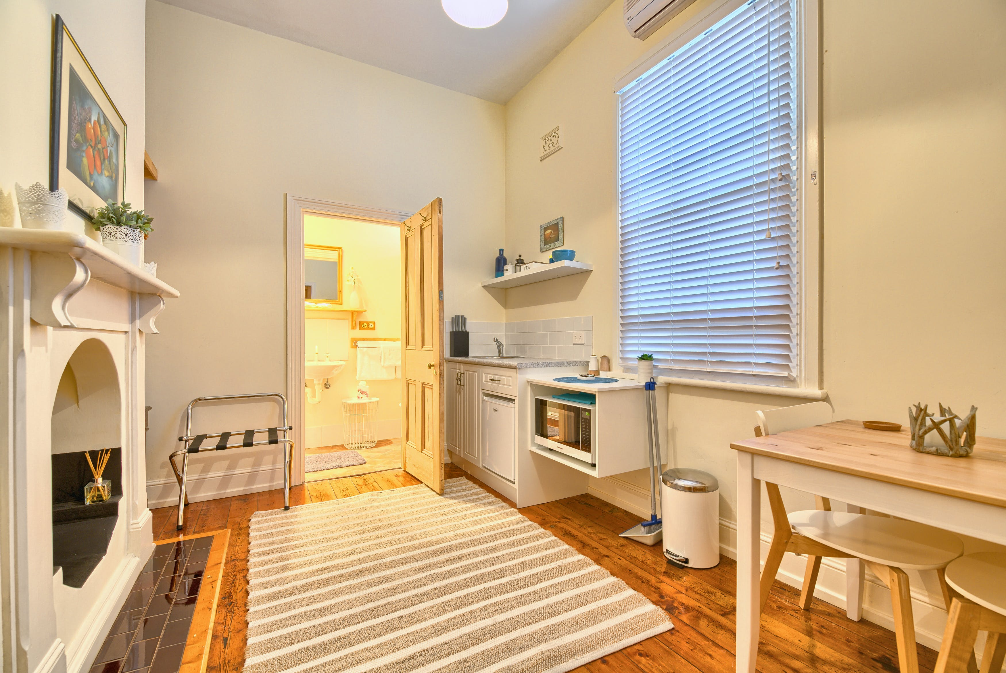 Suite 2 Kitchenette and Bathroom