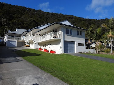 Paihia Apartments from Davis Cres 1
