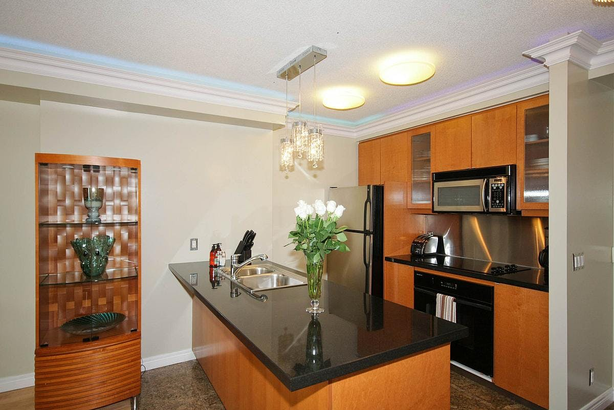 Yonge Suites Split Level 2 Bedroom Suite Penthouse E