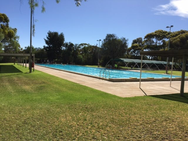 Swimming Pool, Leigh Creek Outback Resort, Flinders Ranges accommodation