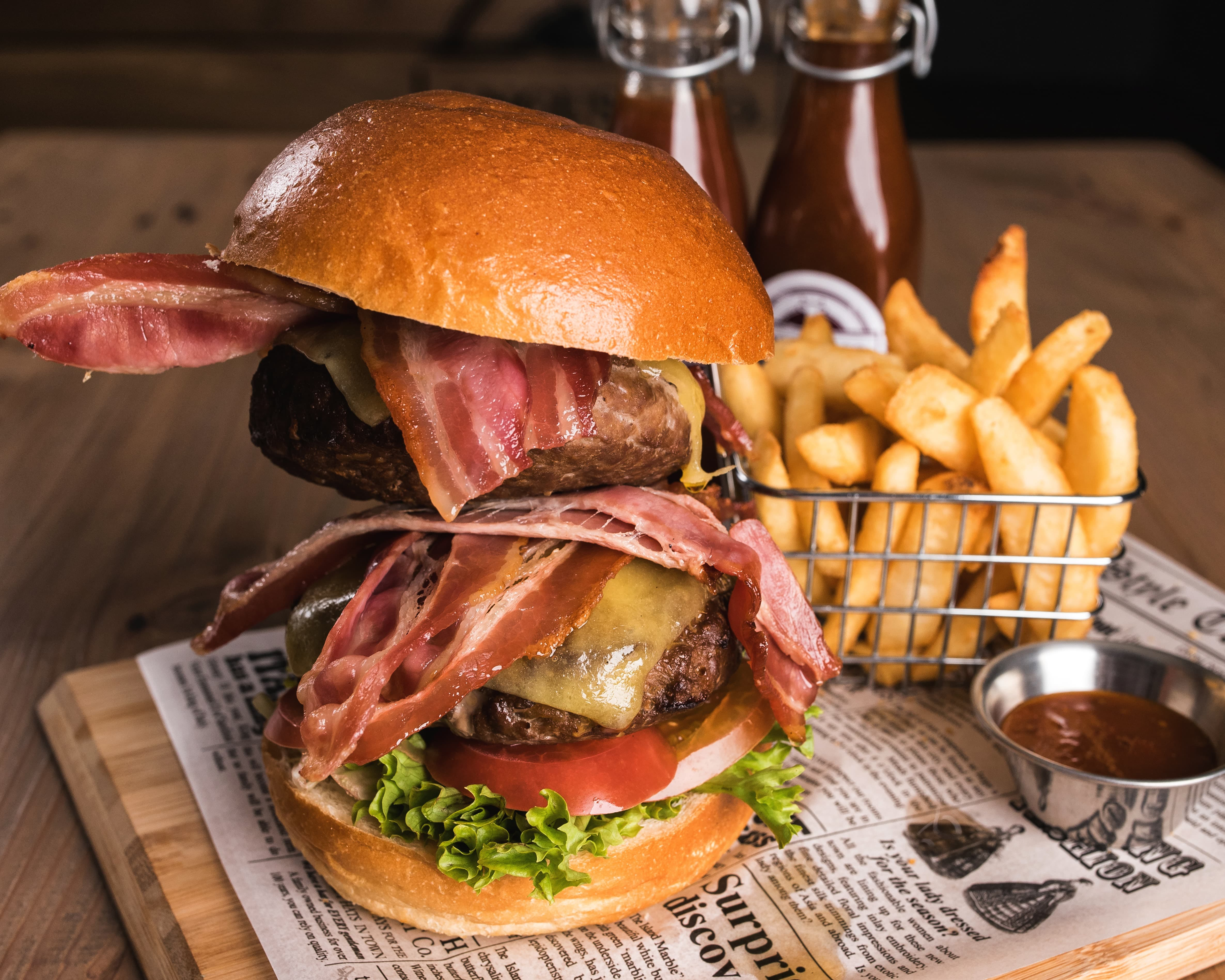 Double Angus beef burger, Leigh Creek Bar & Grill, Leigh Creek Outback Resort, Flinders Ranges accommodation