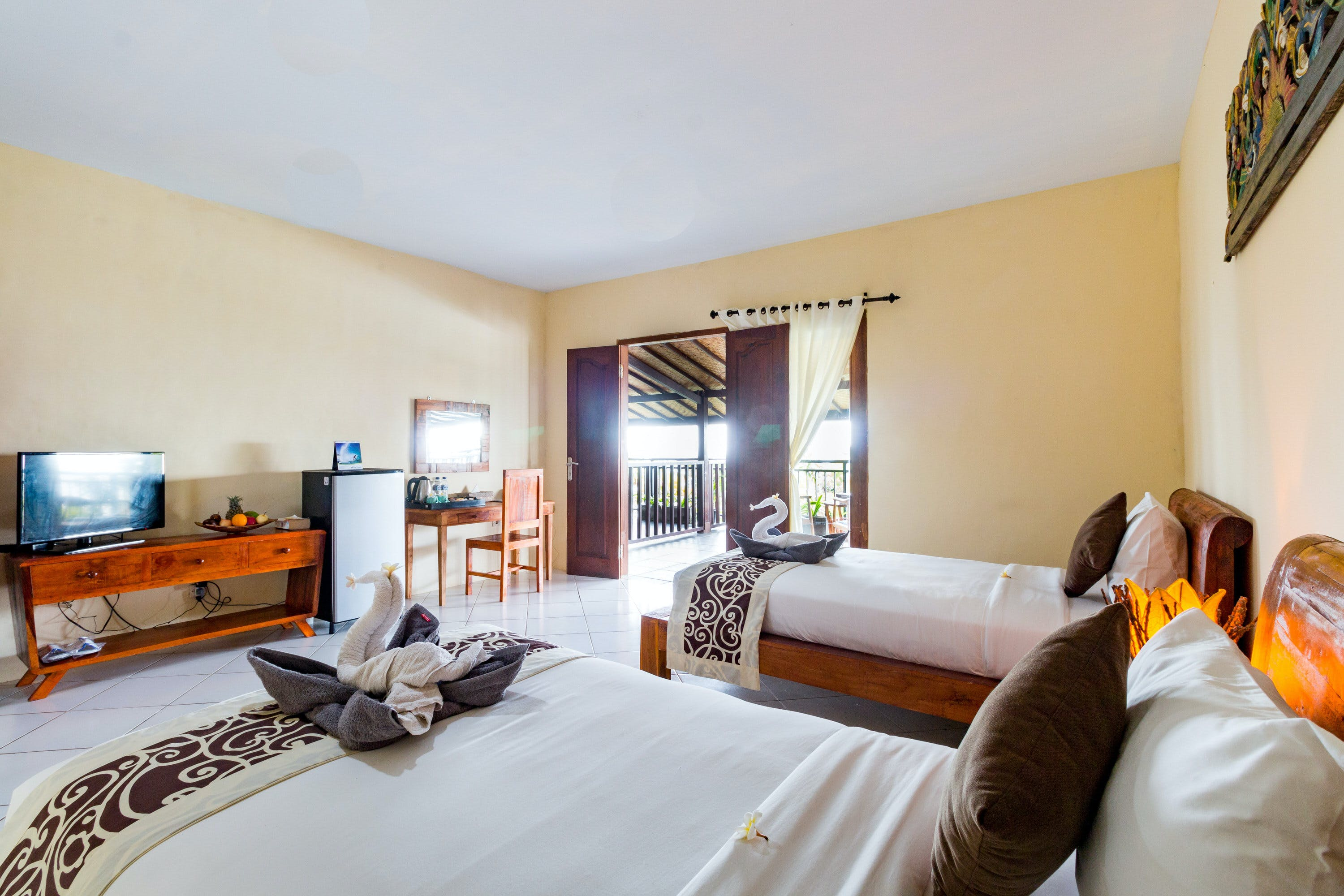 Garden View Twin Room at Sea Medewi Resort, best hotel for surfing and enjoy Medewi beach in Negara
